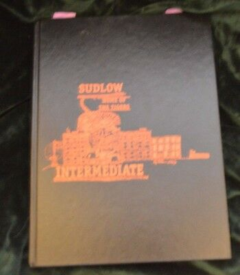 Sudlow Intermediate School- Davenport, Iowa IA - 1998-99 Yearbook
