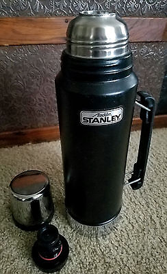 STANLEY ALADDIN A-944DH BLACK STAINLESS STEEL THERMOS * 1 Quart/ 32 oz* USA MADE