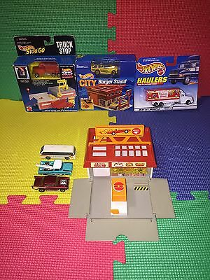 Hot Wheels Sto & Go Truck Stop With Burger Stand