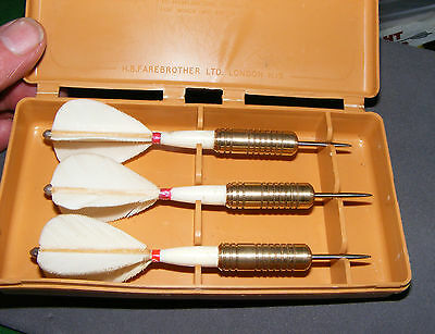 VINTAGE FAREBROTHER BRASS DARTS 22g FEATHER FLIGHTS, COLLECTABLE