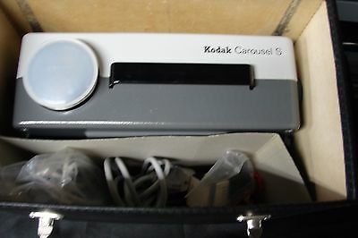 Kodak Carousel S, projector,power cord,lamps,wired remote