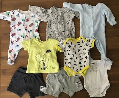 Baby Bundle Of Clothes Size 00000