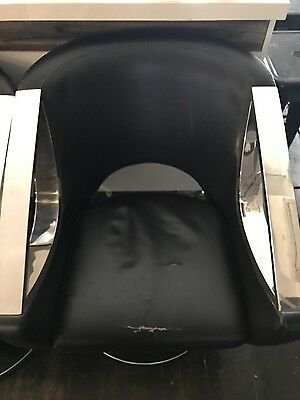 6 X Hairdressing Gas Lift Chairs ($100The Lot) Only