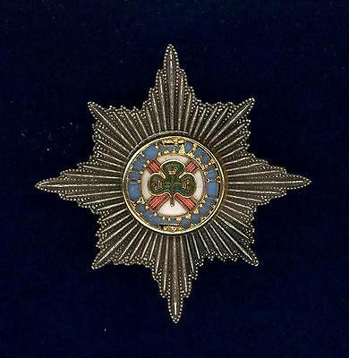Irish Guards- OFFICER- silver plate, gilt and enamel -cap badge
