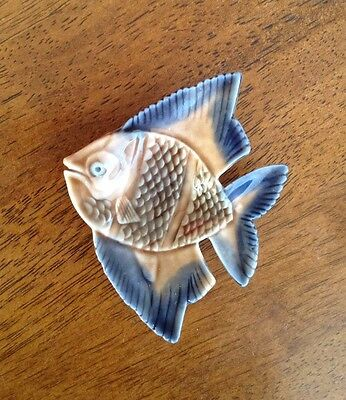 WADE PORCELAIN made in ENGLAND - SMALL FISH SHAPED ORNAMENT/RING/EARRING DISH