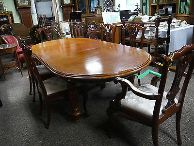 Victorian style wind-out table and 6 chairs