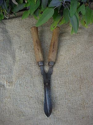 Vintage Ladies Gilpins Garden Shears  with Turned Wooden Handles Topiary  (810)