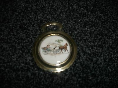 Vintage ceramic horse brass - Horse and Carriage