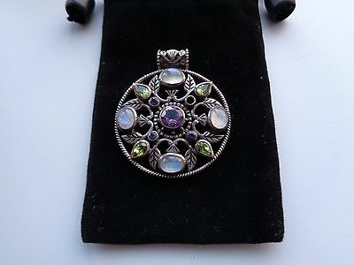 Beautiful 925 Silver Pendant With Very Pretty Stones