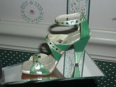 2006 Raine-Just The Right Shoe Step Into Elegance Fig.-Emerald City-Box/ Coa