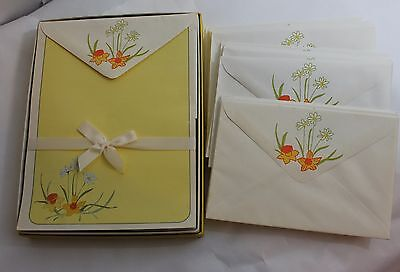 VTG Whiting's Daffodils And Daisies Stationary 28 Sheets 19 Envelopes