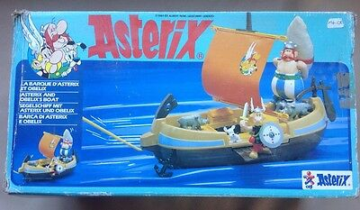 Vintage Asterix Play Action Figures/6259 Boat.near Complete.ceji Very Rare.