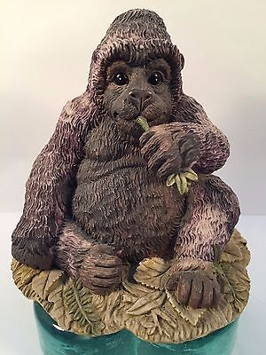 Nature's Friend 1992 Summit Collection GORILLA Figurine - Beautiful Collectible