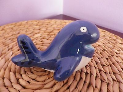 LOVELY BLUE POTTERY WHALE FIGURE 9 CMS LONG, 6 CMS TALL, WIDTH 6 CMS, in V.G.U.C