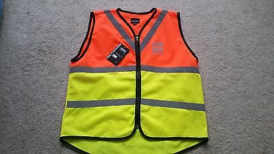 Childrens Altura Night Vision cycling gilet vest. SIZE MEDIUM Yrs. NEW W TAGS. M