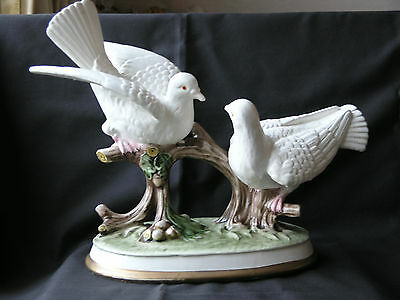 LARGE ORNAMENTAL FIGURINE - PAIR of WHITE DOVES COURTING on a branch