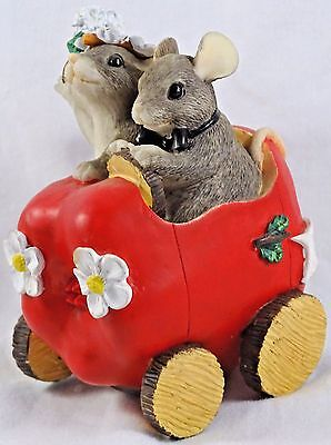 Charming Tails Figurine Just Married The Get Away Car