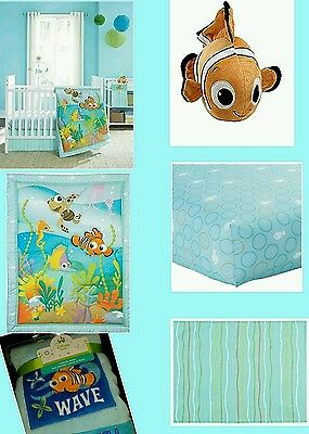 ��Disney Baby Finding Nemo 4 Pieces Crib Bedding Set��Bonus: Nemo Baby Blanket