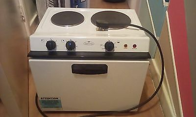 Belling BABY121R Free Standing Electric Cooker with Solid Plate Hob 48cm White
