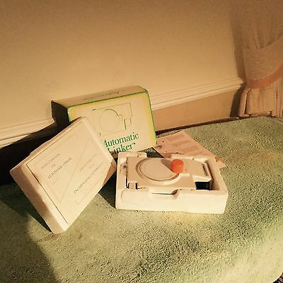 Knitmaster Automatic Linker SC-3 for machine knitting, with instructions