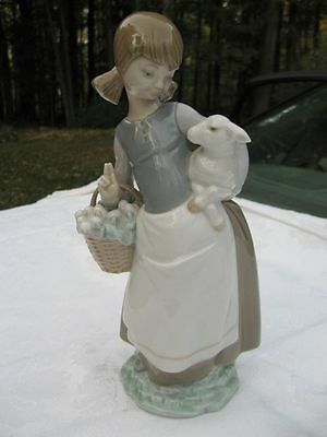 Girl With Lamb Retired Figurine Lladro