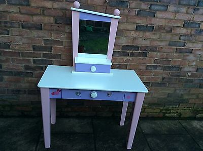Dressing table mirror and shelf set