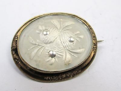 Fine quality antique Victorian gold metal & reverse carved glass flower brooch