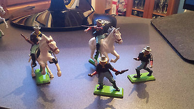 Britains Deetail 4 7th Cavalry Soldiers Both Mounted and Unmounted