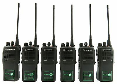 MOTOROLA GP340 UHF 4 WATT TWO WAY WALKIE-TALKIE RADIOS & COVERT EARPIECES x 6