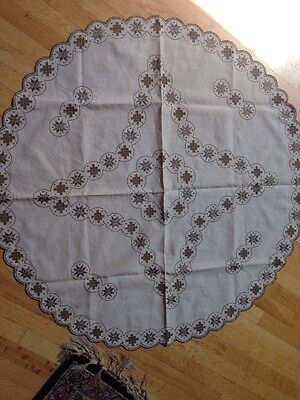 Beautiful Vintage 42 round Linen Ecru Round Tablecloth open work stunning