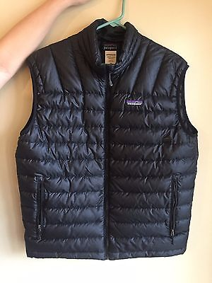 Men's Patagonia Down Sweater Vest, size Medium, color Black