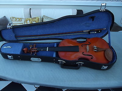 The Stentor Student Violin 1/2 Size With Case