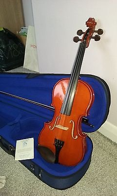Violin Strentor Student 1 1400 Size 4/4. Brand New