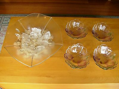 Exquisite Fluted Pressed Glass Bowl Plus 4 Never Used Fluted Colored Small Bowls