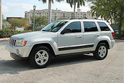 2006 Jeep Grand Cherokee Laredo Sport Utility with All the Bells & Whistles 2006 Jeep Grand Cherokee Laredo-1-owner-Florida-kept-Moonroof-Cold Weather Pkg.