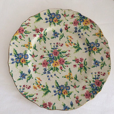 Royal Winton Grimwades Queen Anne pattern 2995 Chintz Entree Salad Plate
