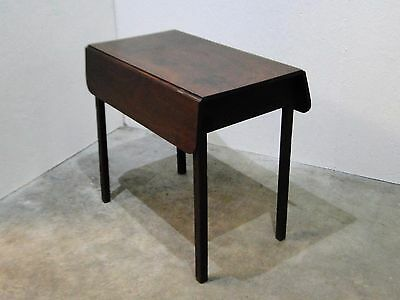 Small Vintage Mahogany Drop Leaf Table with Drawer (25s)
