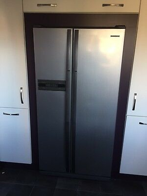 Samsung Refrigerator and Freezer £250, (Offers for Housing Unit & Kitchen Doors)