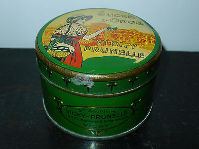 Vichy Prunelle Sucre D'orge Femme Costume Thermes Boite Tole Lithographiee