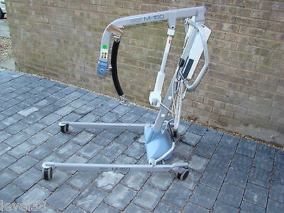 Freeway M-150 Mobility Disabled Hoist / Lift Electric Leg Opening (Del Possible)