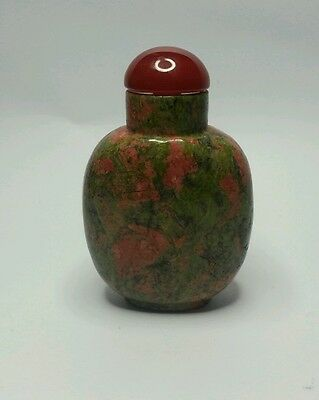 A Quality Chinese Unakite hardstone snuff bottle with a Carnelian stone stopper