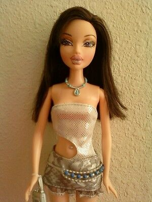 My Scene Bling Bling Nolee Doll Brown Hair Purple Eyes Clothes Boots