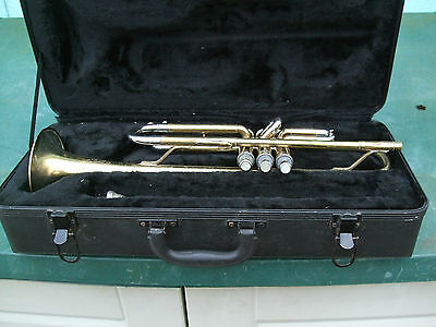 Student trumpet with mouth piece/case good used condition