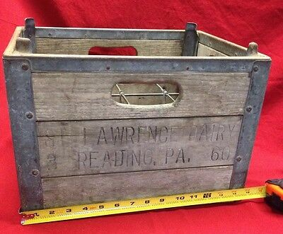 Vintage Wooden Milk Crate ~ ST Lawrence Reading PA. Dairy