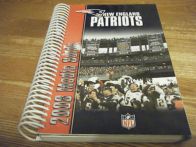 2008  New England  Patriots American Football   Media  Guide  -  392  Pages Mint