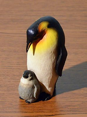 PENGUIN PAIR   Mother with Cub   Statue Figurine  H 4.0''