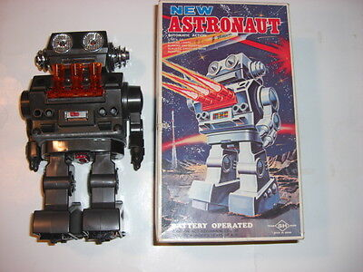 """""""horikawa"""" Japan """"new Astronaut"""" Battery-Operated """"vintage Tin Robot"""" With Box"""