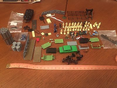HO / 00 Gauge Scenery Figures And Background Plastic ,Metal Painted & Unpainted