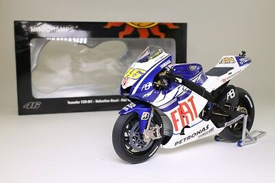 Minichamps 1:12; Yamaha YZR-M1; Valentino Rossi, Moto GP 2010, Excellent Boxed
