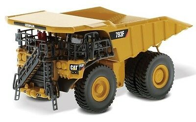 Diecast Masters Cat 793F Mining Truck 1:125 scale model 85518